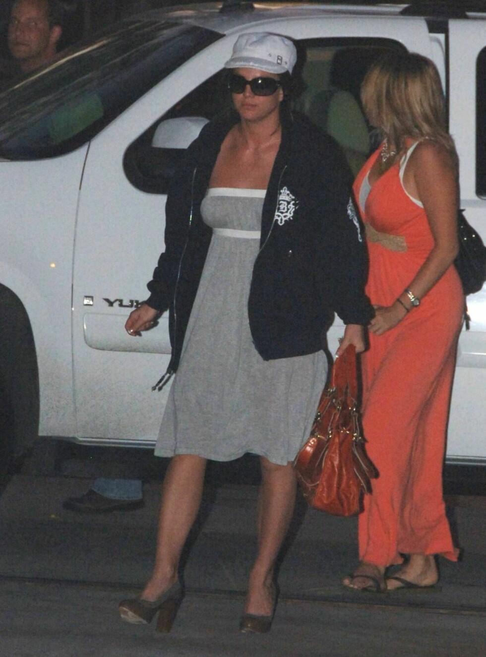 UT: Britney besøker jevnlig AA, kanskje mest på grunn av Jason? Foto: All Over Press