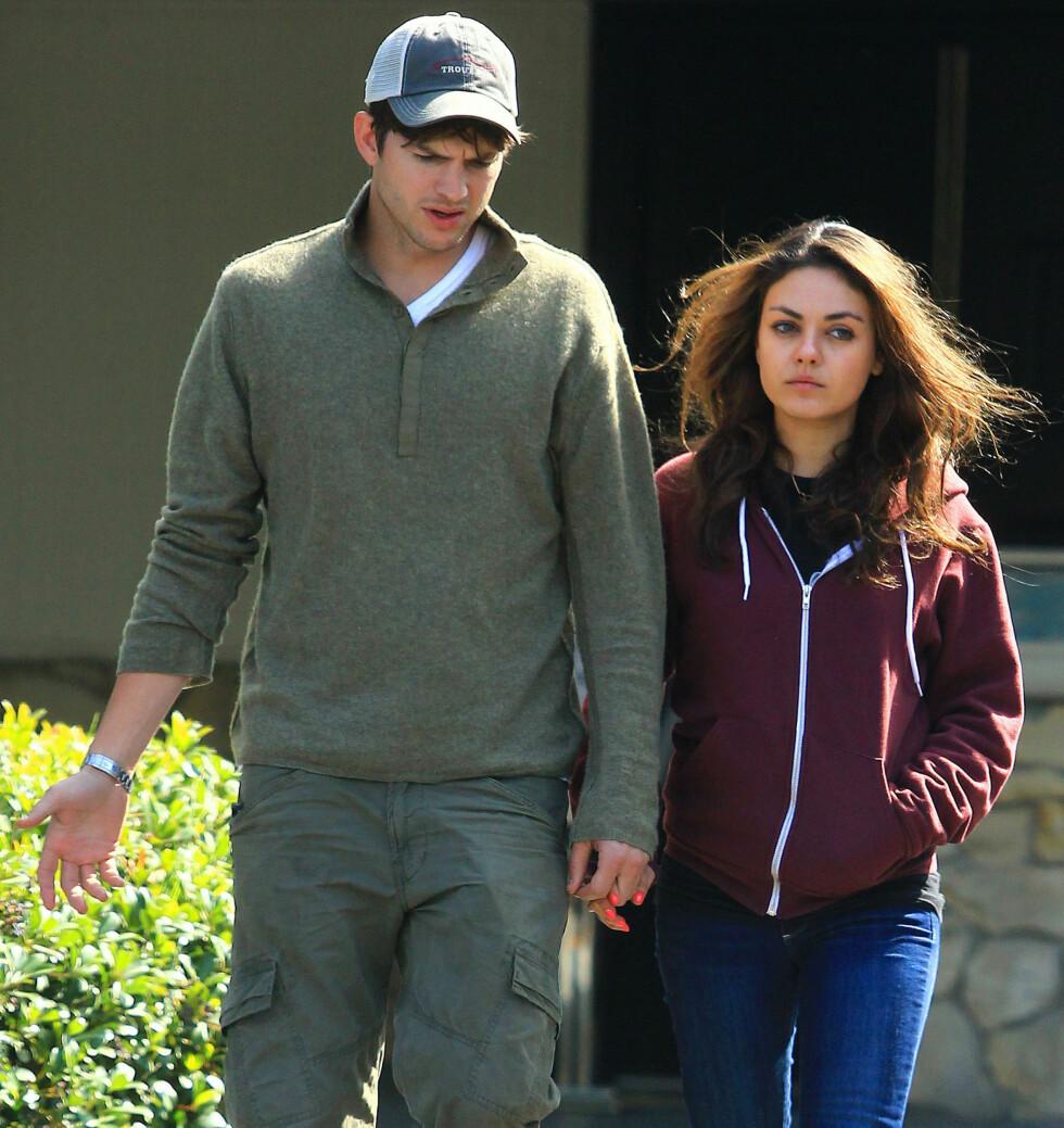 VENTER BARN: Ashton Kutcher og forloveden Mila Kunis skal ifølge People bli foreldre. Foto: FameFlynet