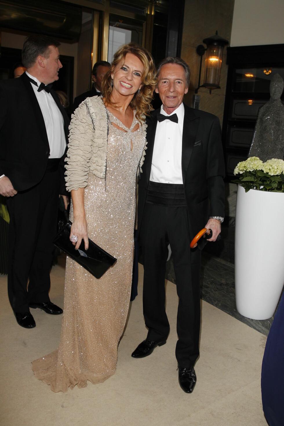 GLITTER: Ellen Arnstad og ektemannen Stein Støa gikk «all in» med Hollywood-glamour, glitter og stas. Foto: Andreas Fadum, Se og Hør