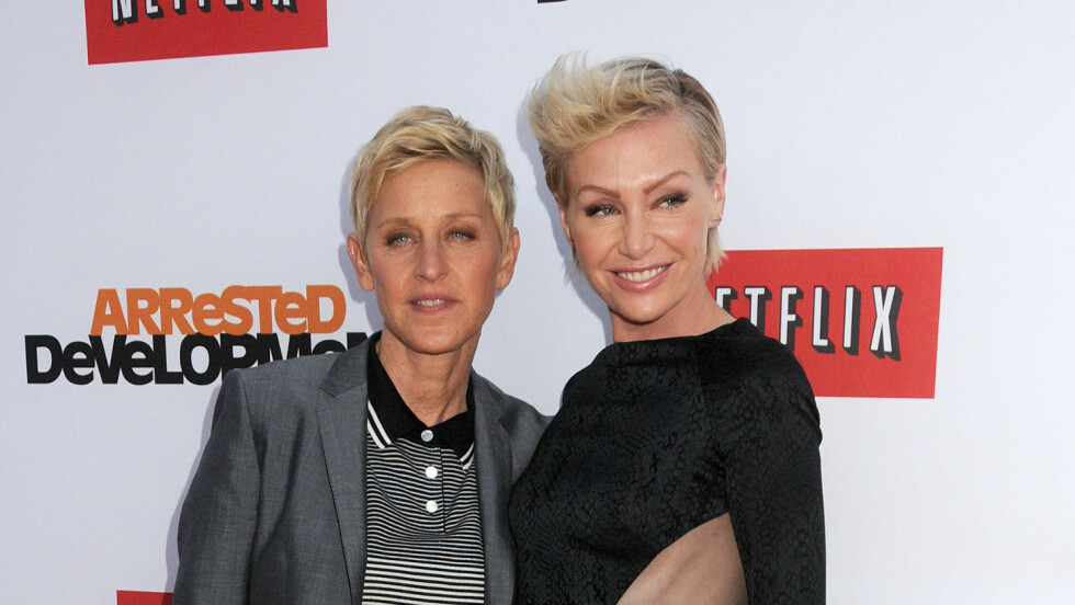 LYKKELIGERE ENN NOENSINN: Ellen Degeneres og Portia de Rossi er like forelsket ti år etter at de ble et par. Foto: Andre Michel/DLM Press