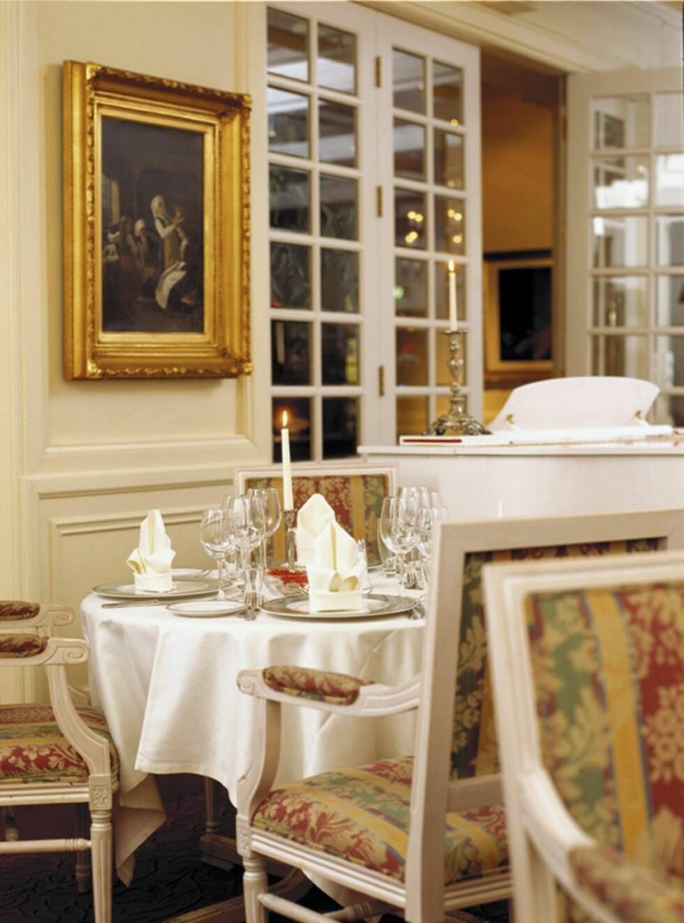FORNEMT: Restauranten på Dr. Holms er veldig bra, og som gjest ved hotellet har du fast bord. Foto: Se og Hør