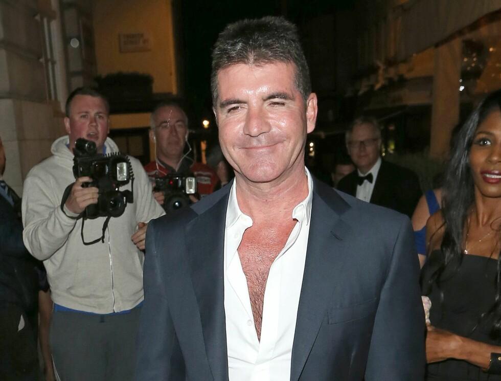 MUSIKKMOGUL: Simon Cowell har et av verdens mest kjente navn innen musikk. Cowell har vært dommer i talentkonkurranser som Idol og X-Factor, men har også vært manager for stjerner som Westlife, Susan Boyle og One Direction.