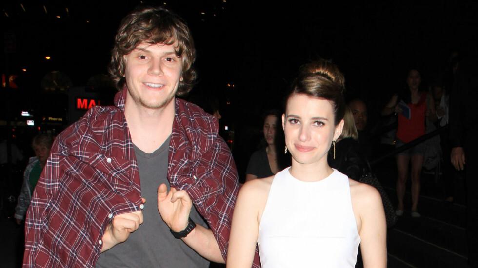 BLE OVERSETT: Emma Roberts forteller at forloveden Evan Peters slett ikke var interessert i henne da de først møttes. Foto: FameFlynet