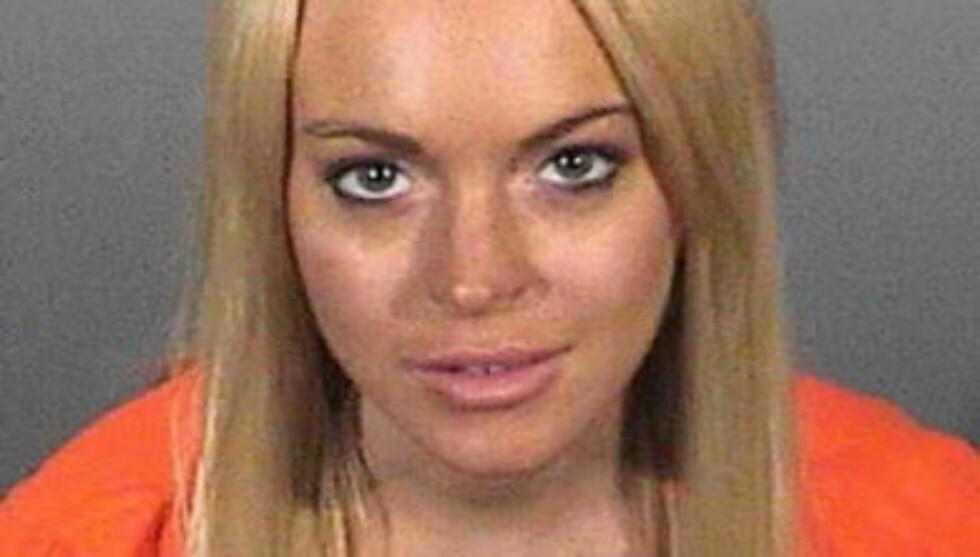FANGE: Lindsay har flere ganger havnet i trøbbel med loven. Her er et av hennes mange politibilder. Foto: All Over Press