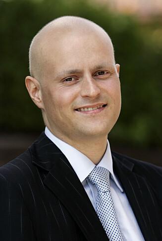 HYLLER BØHN: Bengt Eidem er engasjert i både politikken og kreftsaken, og har selv hatt blodkreft to ganger.  Foto: SCANPIX
