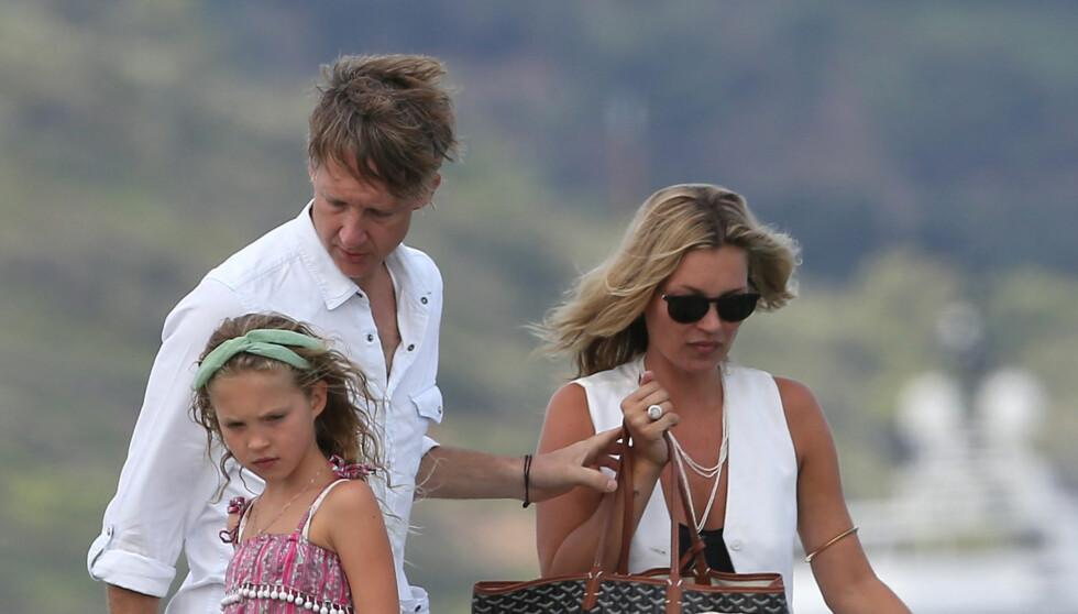 GOD STEMNING:  Selv om Kate Moss nå er gift med The Kills-gitarist James Hince, har hun et særdeles godt forhold med ekskjæresten Jefferson Hack - som også er far til hennes datter Lila Grace (9). Foto: Stella Pictures Foto: Stella Pictures