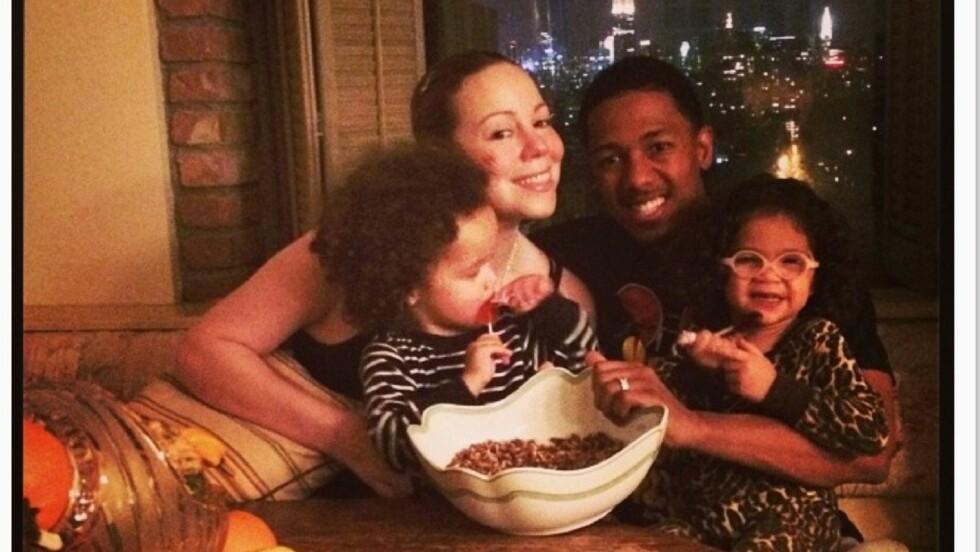 TAKKNEMLIG: Mariah Carey feiret thanksgiving sammen med ektemannen Nick Cannon og barna Moroccan og Monroe og delte familielykken på Instagram.  Foto: Mariah Carey/Instagram