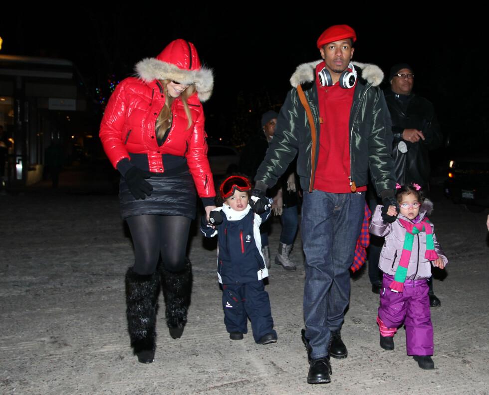 JULEFERIE: Carey-familien feiret jul med ski og snø i Aspen. Foto: FameFlynet