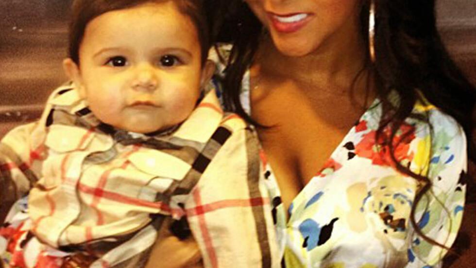 HAR HENGEPUPPER: I august i fjor ble Nicole Polizzi mamma for første gang. Nå føler hun seg usikker fordi hun mener hun har fått hengepupper etter svangerskapet. Foto: FAME FLYNET