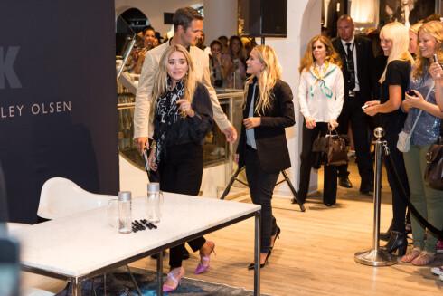 I NORGE: I august var Mary-Kate og Ashley Olsen i Norge for å lansere sin nye kleskolleksjon for Bik Bok. Foto: FameFlynet Norway