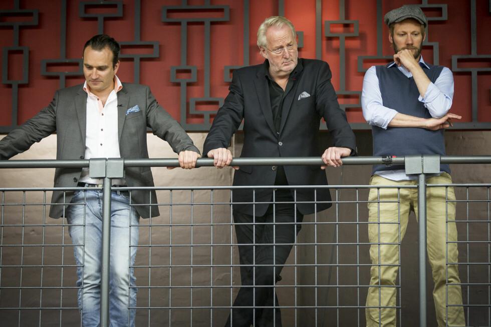 DOMMERE: Eyvind Hellstrøm, Gregory Paul og Kjartan Skjelde har latt seg både imponere og irritere over kjendisene i realitykonkurransen «MasterChef» på TV3. Foto: TV 3
