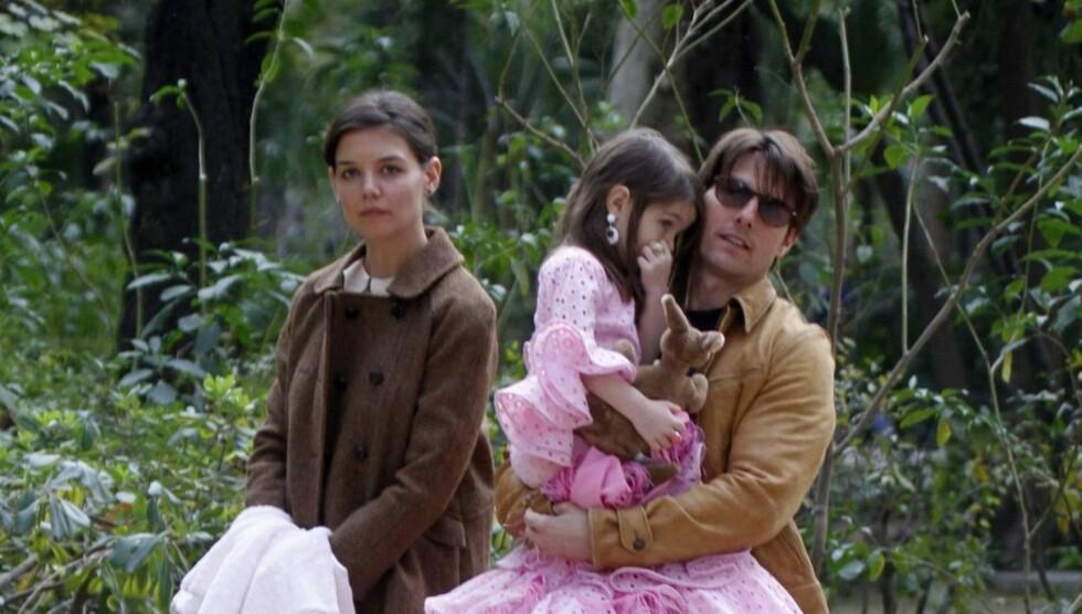 <strong>VARSLER KAMP OM DATTEREN:</strong> Katie Holmes skal ifølge bloggeren Perez Hilton være villig til å gjøre alt hun kan for å hindre at Tom Cruise blir tilkjent omsorgsrett for deres datter Suri. Foto: All Over Press