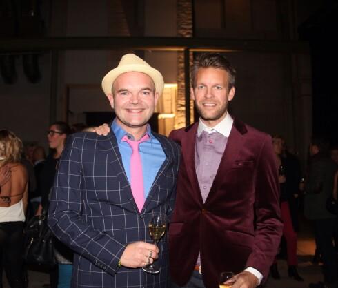 KLESDESIGNERE: Moods of Norway-gutta Simen Staalnacke og Peder Børresen var med på smykkefest.  Foto: Stella Pictures