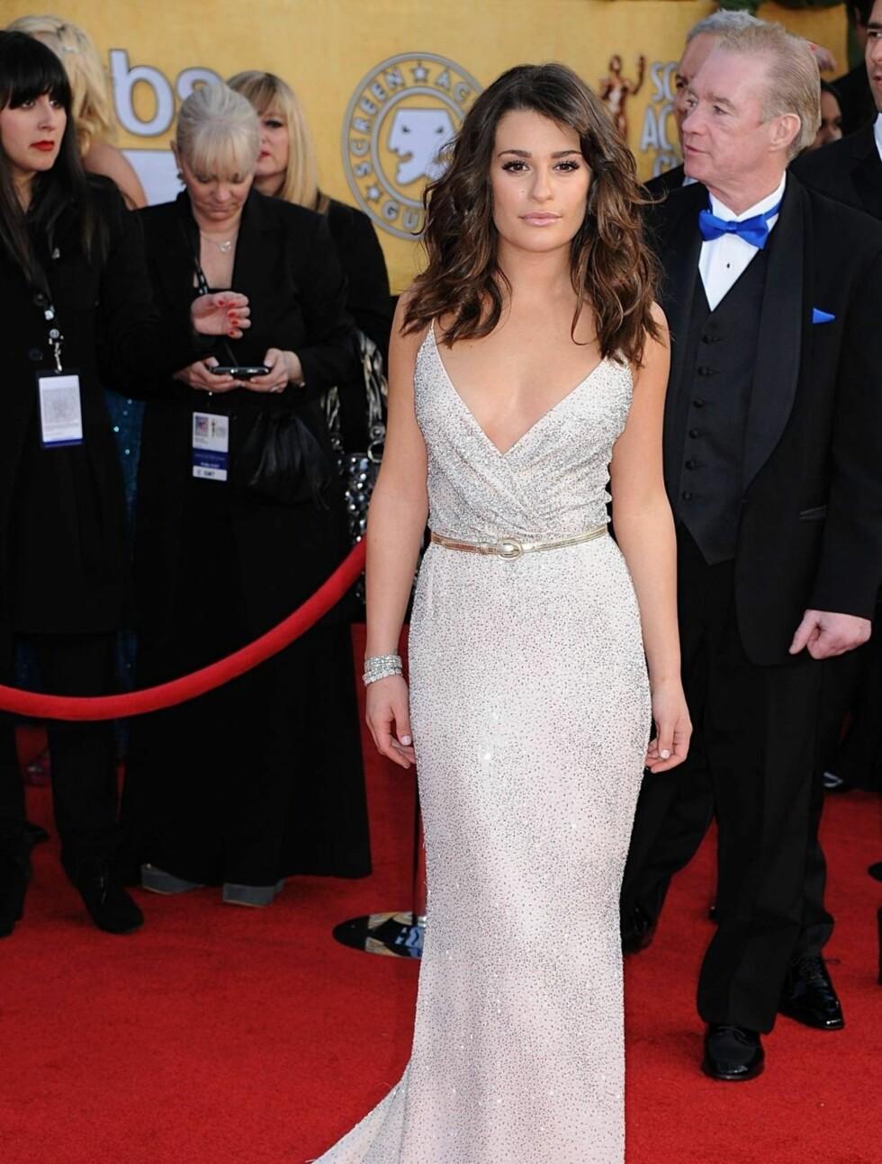 LEA MICHELE: «Glee»-stjernen viste frem sin flotte figur i en Oscar de la Renta kjole og smykker fra Tiffany.  Foto: Stella Pictures