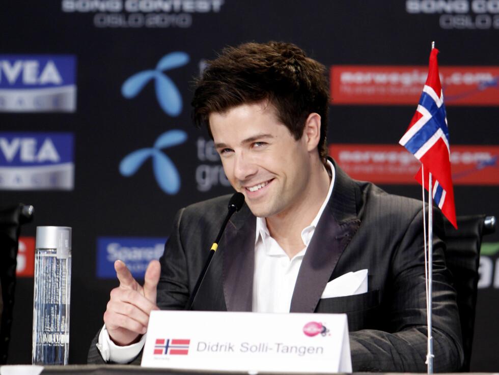 <strong>PRESSEKONFERANSE:</strong> Fredag holdt Didrik Solli-Tangen og den norske delegasjonen deres siste pressekonferanse før finalen.  Foto: Scanpix