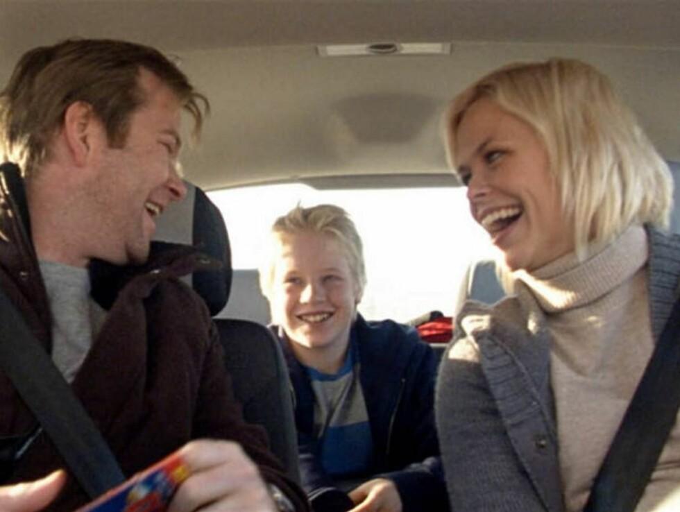 """LYKKELIG FAMILIE: I begynnelsen av """"Sammen"""" er alt bare fryd og gammen i den lille familien."""