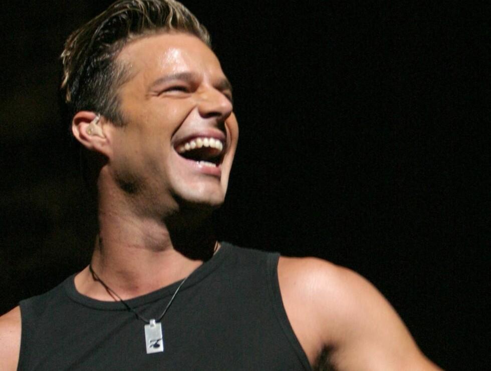 ELSKER PAPPAROLLEN: Ricky Martin innrømmer at han elsker å være far, og at han ikke vil gå glipp av et eneste øyeblikk med guttene sine.  Foto: All Over Press