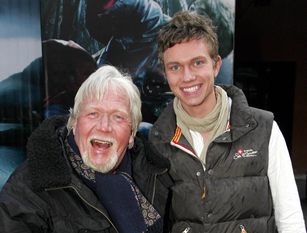SØNN: Her er Harald sammen med sønnen Frikk. Foto: SCANPIX