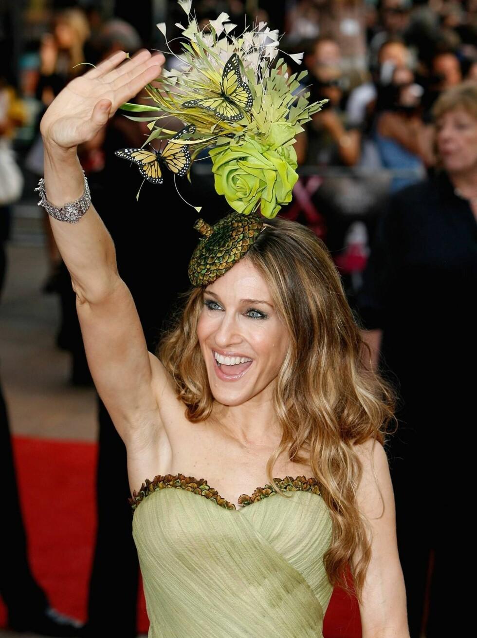 """Hyllet: Flere hundre fans var møtt frem for å hylle """"Carrie"""" Sarah Jessica Parker  Foto: All Over Press"""