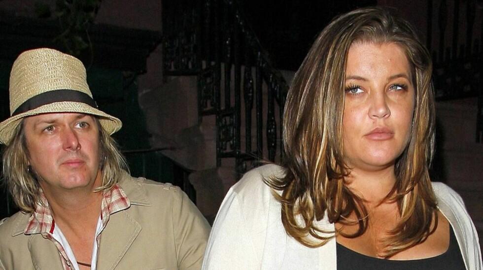 VENTER TVILLINGER?: Ifølge rykter venter Lisa Marie og ektemann Michael tvillinger til høsten.  Foto: All Over Press
