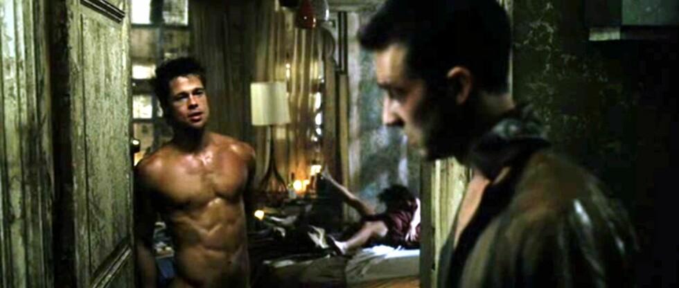 KORT HÅR: Brad Pitt hadde kort hår da han gjorde suksess sammen med blant andre Edward Norton i filmen «Fight Club» i 1999. Foto: All Over