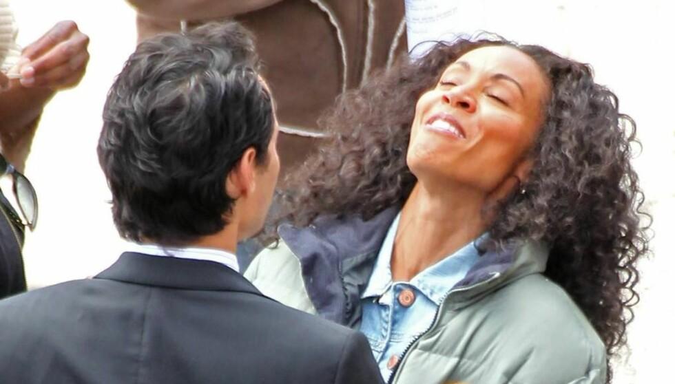 TATT PÅ FERSKEN: Ukebladet InTouch hevder Jada Pinkett Smith skal ha flyttet fra ektemannen Will Smith etter at han oppdaget henne sammen med Jennifer Lopez' eks-mann Marc Anthony, da han kom uanmelt hjem. Foto: All Over Press