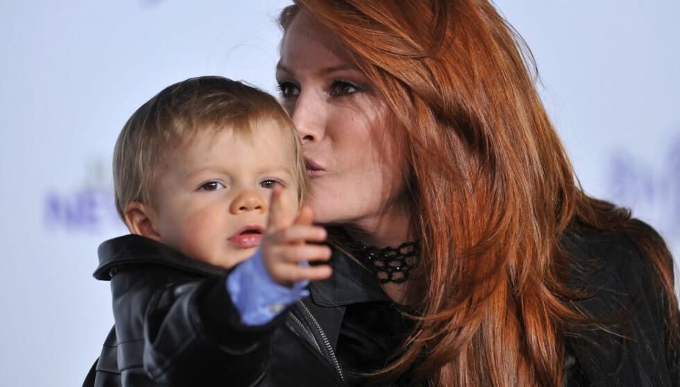 SØNN: I 2009 ble hun mamma til Kayden Bobby Everhart (3).  Foto: Stella Pictures