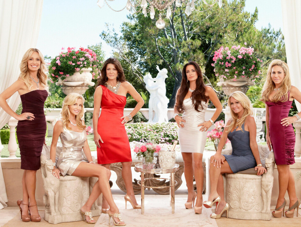 REALITYFRUE: I TV-serien «Real Housewives of Beverly Hills» følger kameraene dagliglivet til seks ekte Hollywood-fruer, blant dem Kim Richards (nr. to fra høyre). Foto: TV3