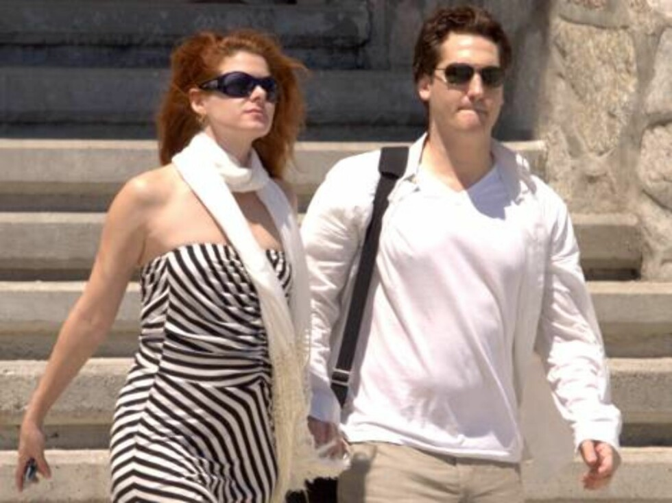 Mexico, Los Cabos 2006-09-20. EXCLUSIVE. US actress Debra Messing and her husband Daniel Zelman take a romantic wedding anniversary in Los Cabos, Mexico  Photo: Pool / Clasos Code: 4043  COPYRIGHT STELLA PICTURES Foto: Stella Pictures