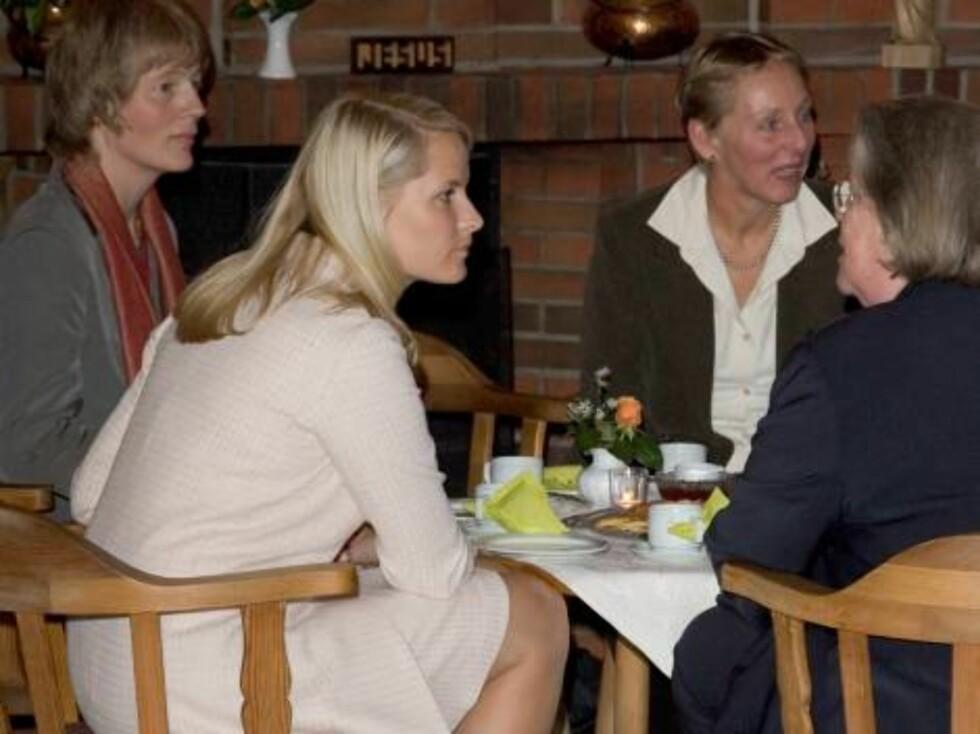 Crown Princess Mette-Marit of Norway visits Hamburg, Germany. Visit to the Norwegian Seamans Church. 18/10/06  Picture: UK Press  (ref 8265-AJ) Foto: All Over Press,  Antony Jones