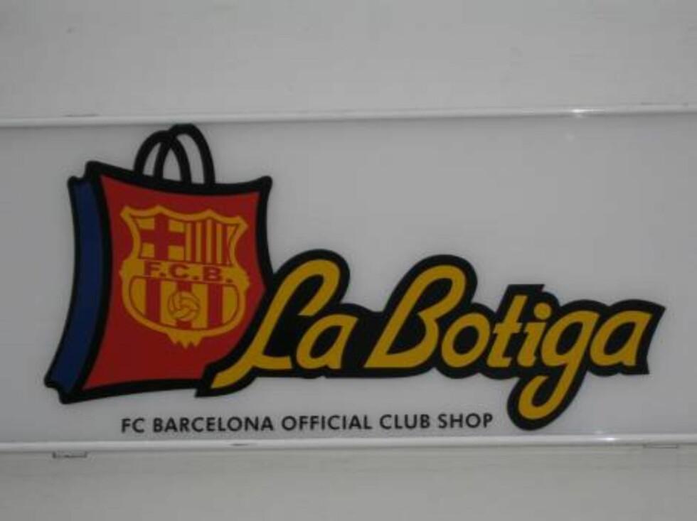 SUPPORTERBUTIKK: I Tossa de Mar kan du selvfølgelig kjøpe FC Barcelona-artikler.   Foto: Per Tandberg