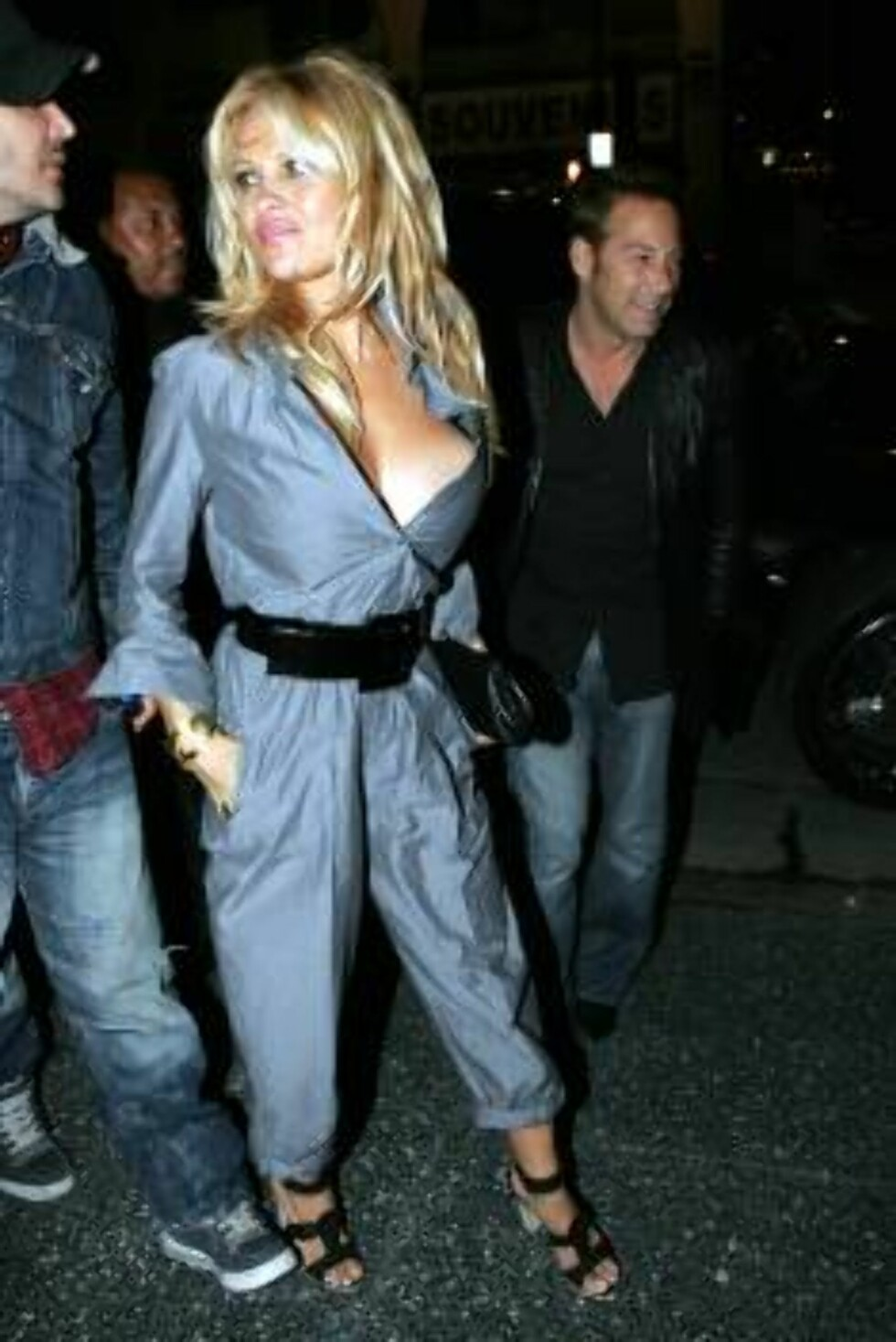 Pamela Anderson arriving at the Roosevelt hotel in Hollywood. March 2, 2006 X17agency exclusive / ALL OVER PRESS Foto: All Over Press