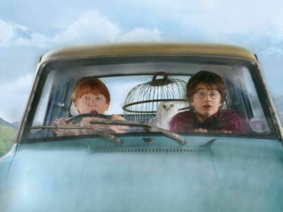 From left to right: RUPERT GRINT (Ron Weasley), Hedwig and DANIEL RADCLIFFE (Harry Potter) in Warner Bros. Pictures' family adventure film Harry Potter and the Chamber of Secrets.  PHOTOGRAPHS TO BE USED SOLELY FOR ADVERTISING, PROMOTION, PUBLICITY OR RE Foto: Courtesy of Warner Bros.