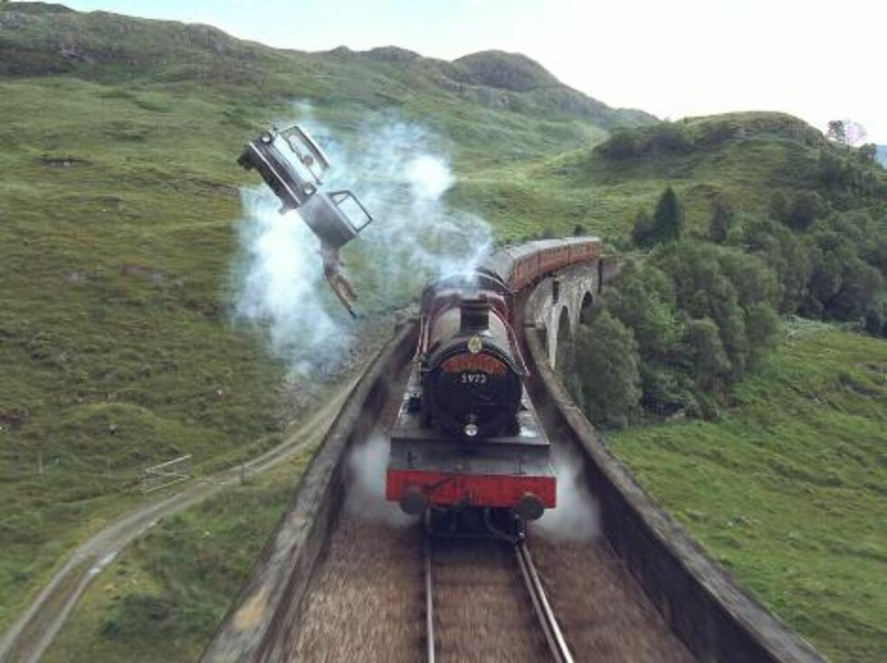 A scene from Warner Bros. Pictures' family adventure film Harry Potter and the Chamber of Secrets.  PHOTOGRAPHS TO BE USED SOLELY FOR ADVERTISING, PROMOTION, PUBLICITY OR REVIEWS OF THIS SPECIFIC MOTION PICTURE AND TO REVMAIN THE PROPERTY OF THE STUDIO. N Foto: Courtesy of Warner Bros.