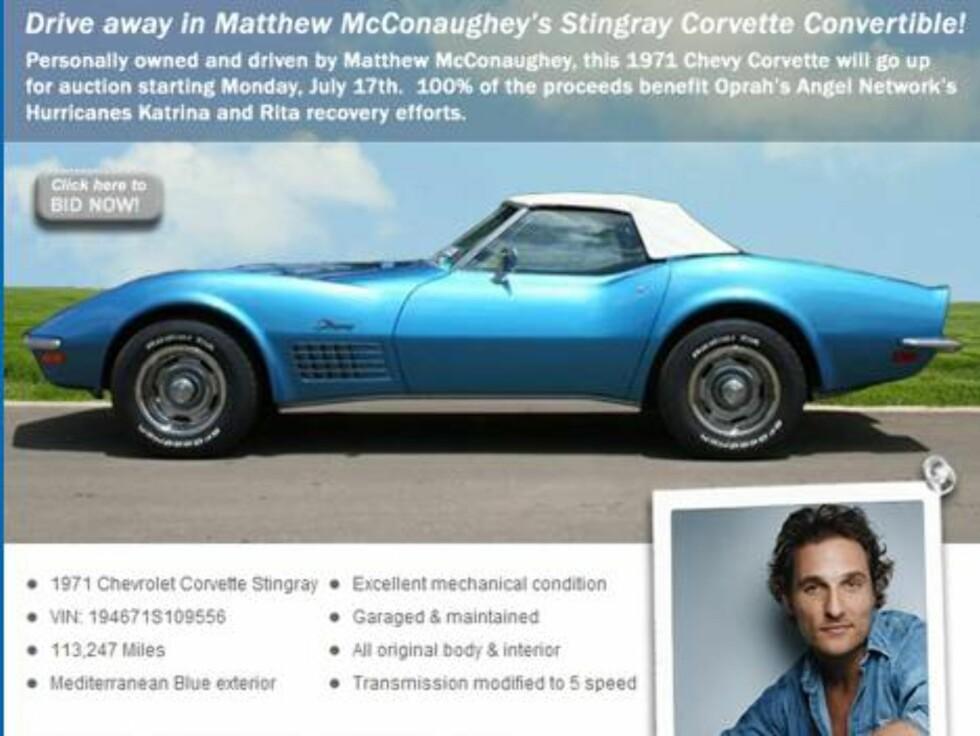 EBAY: Det er nok mange som kunne tenkt seg en tur i Matthew McConaugheys knallblå Corvette. En heldig kar stakk av med herligheten. Foto: All Over Press