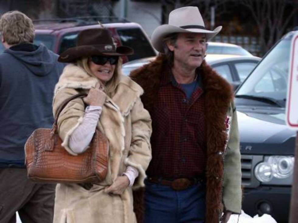 Goldie Hawn and Kurt Russell in Aspen Colorado style Dec 30, 2006 X17agency exclusive Foto: All Over Press