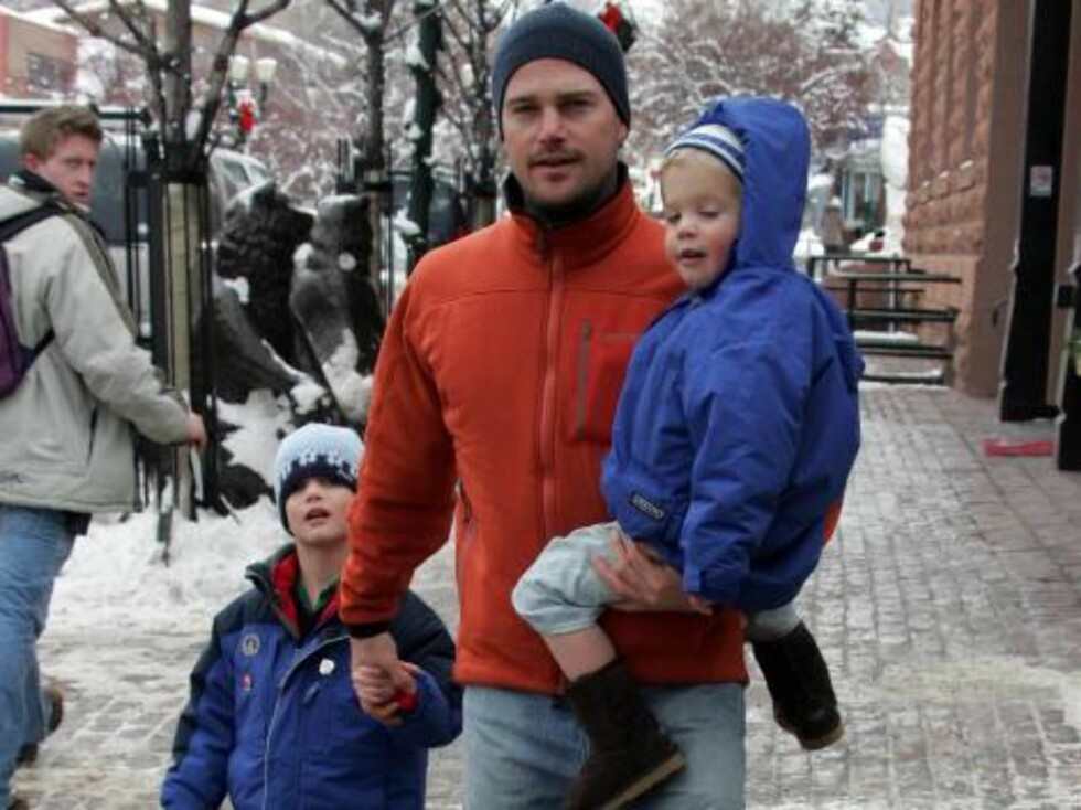 Grey's Anatomy star Chris O'Donnell with kids Chris Jr and Lilly spend family time in snowy Aspen Dec 22, 2006 X17agency exclusive Foto: All Over Press