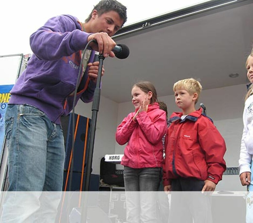 Noteknekk med 3 spente barn fra Sandnes. Foto: Unni Eiklid