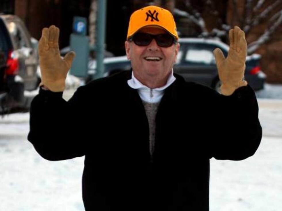 Jack Nicholson plays Happy Feet!!! in Aspen Colorado Dec 24, 2006 X17agnecy exclusive Foto: All Over Press