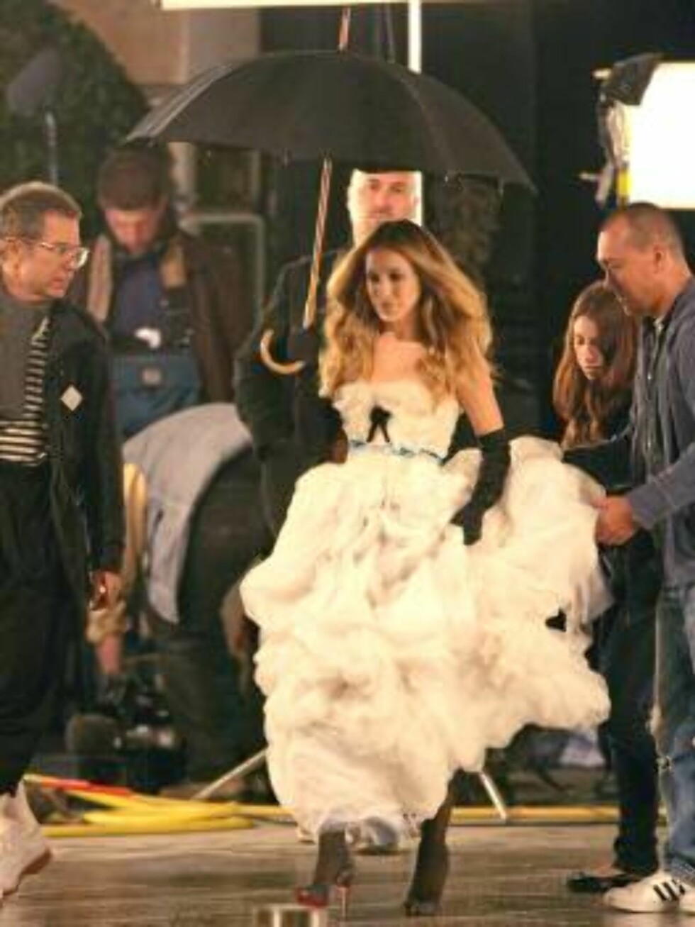 US actress Sarah Jessica Parker filming an ad for her new perfume, Place Vendome, in Paris France, on September 28, 2006. The advertising is directed by Jean-Paul Goude.   Photo by ABACAPRESS Code:4001/106603  COPYRIGHT STELLA PICTURES Foto: Stella Pictures