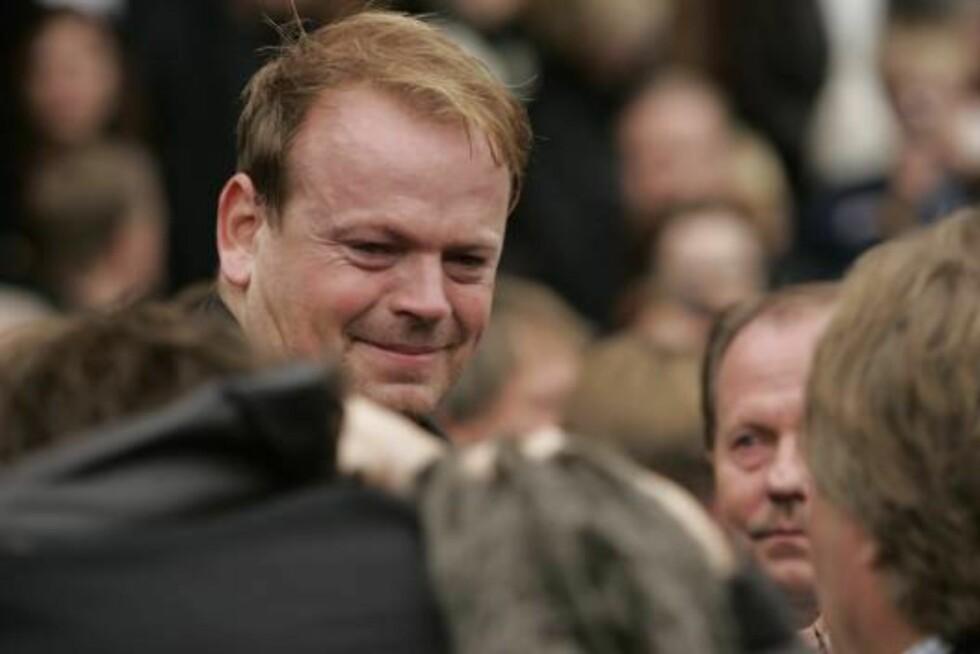 TÅREVÅTT: Tommy Steine og Jan Werner fikk folk til å le sammen. Tommy felte tårer da han tok farvel med sin venn. Foto: Se og Hør