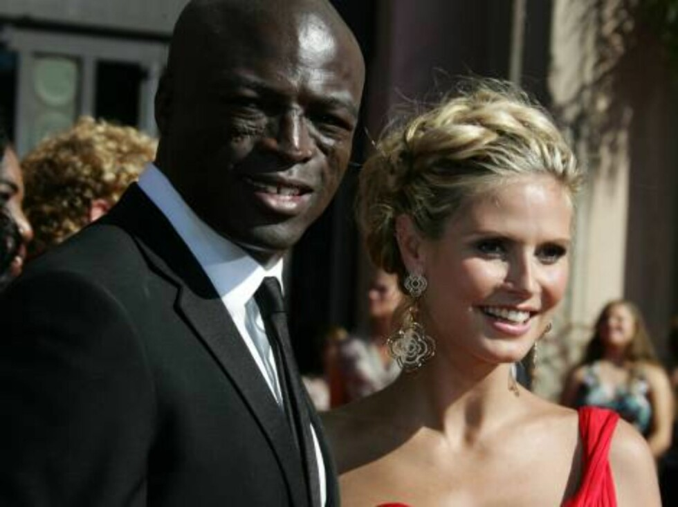 LOS ANGELES - AUGUST 27:  Seal and Heidi Klum arrive at the 58th Annual Primetime Emmy Awards at the Shrine Auditorium on August 27, 2006 in Los Angeles, California.  (Photo by Frazer Harrison/Getty Images) *** Local Caption *** Heidi Klum;Seal  * SPECIAL Foto: All Over Press