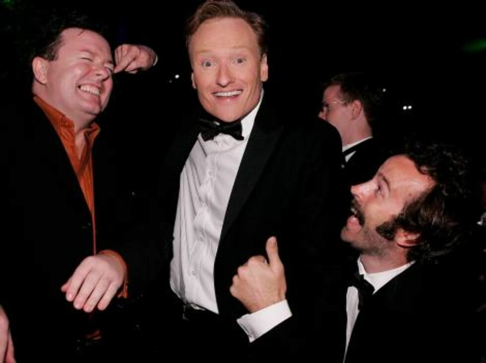 LOS ANGELES - AUGUST 27:  Actor Ricky Gervais, host Conan O'Brien and actor Jason Lee attends the Governor's Ball after the 58th Annual Primetime Emmy Awards at the Shrine Auditorium on August 27, 2006 in Los Angeles, California.  (Photo by Vince Bucci/Ge Foto: All Over Press