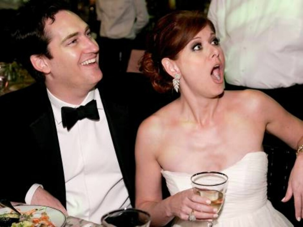LOS ANGELES - AUGUST 27:  Actress Debra Messing (R) and husband Daniel Zelman attends the Governor's Ball after the 58th Annual Primetime Emmy Awards at the Shrine Auditorium on August 27, 2006 in Los Angeles, California.  (Photo by Vince Bucci/Getty Imag Foto: All Over Press
