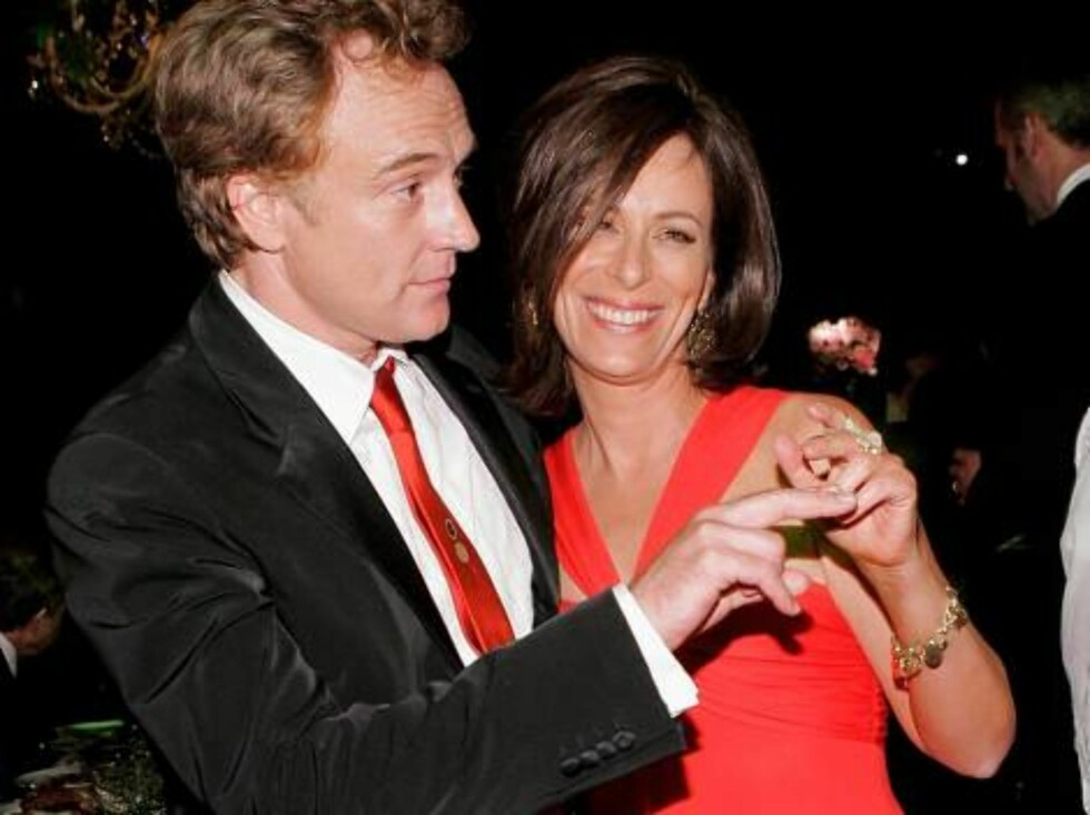 LOS ANGELES - AUGUST 27:  Actor Bradley Whitford and wife/actress Jane Kaczmarek attends the Governor's Ball after the 58th Annual Primetime Emmy Awards at the Shrine Auditorium on August 27, 2006 in Los Angeles, California.  (Photo by Vince Bucci/Getty I Foto: All Over Press