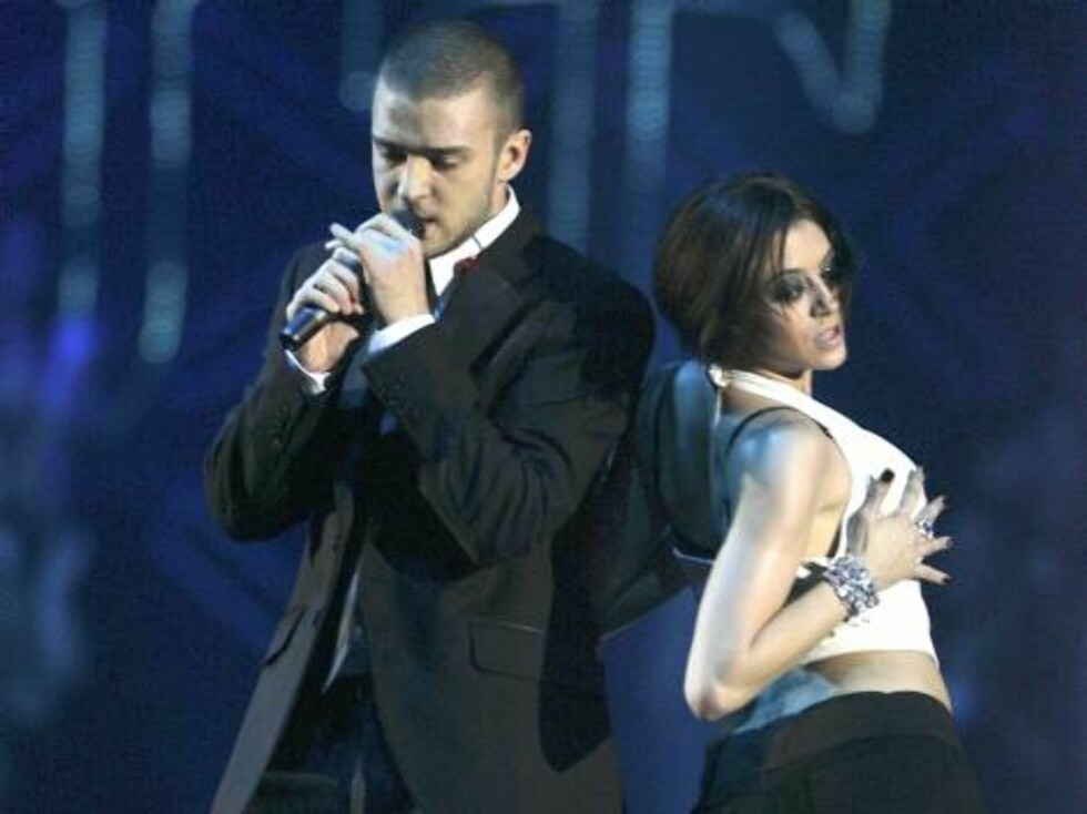 COPENHAGEN, DENMARK - NOVEMBER 02:  (UK TABLOID NEWSPAPERS OUT)  Justin Timberlake performs on stage at the 13th annual MTV Europe Music Awards 2006 at the Bella Center on November 2, 2006 in Copenhagen, Denmark.  (Photo by Dave Hogan/Getty Images for MTV Foto: All Over Press