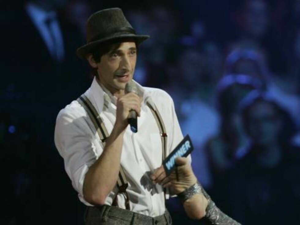 COPENHAGEN, DENMARK - NOVEMBER 02:  Actor Adrien Brody presents on stage at the 13th annual MTV Europe Music Awards 2006 at the Bella Center on November 2, 2006 in Copenhagen, Denmark.  (Photo by Jo Hale/Getty Images for MTV) *** Local Caption *** Adrien Foto: All Over Press