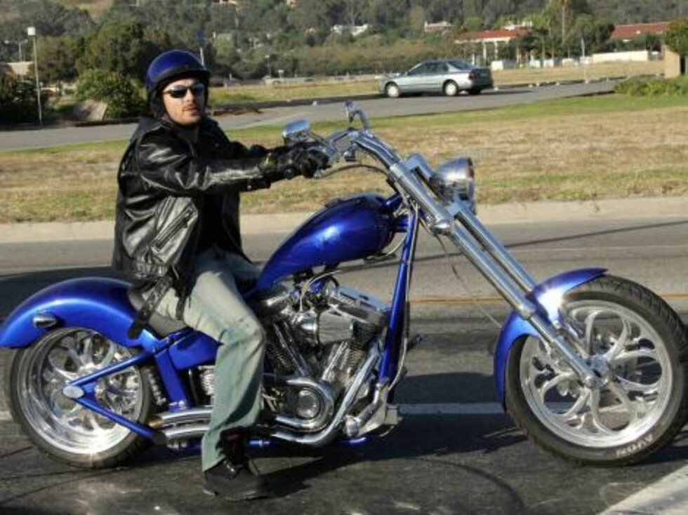Code: X17XX8 - Ginsburg-Spaly, Malibu, USA, 08.06.2005: Kevin Federline rides his Harley in Malibu as his wife Britney rests at home. Kevin spends hisdays playing golf and  riding his motorcycle looking a little lonely and bored, All Over Press / X17 Age Foto: All Over Press