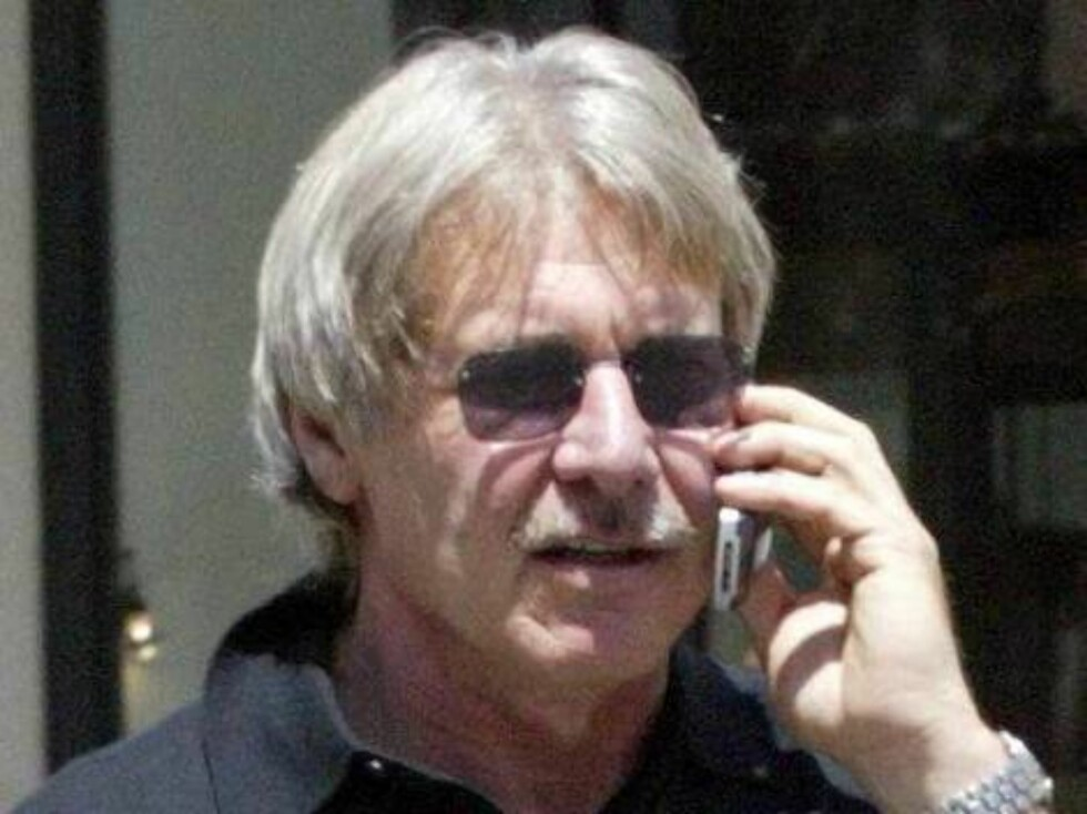 Harrison Ford wearing a moustache in Beverly Hills shopping without Calista Flockhart August30 2003 Exclusive X17agency / ALL OVER PRESS Foto: All Over Press