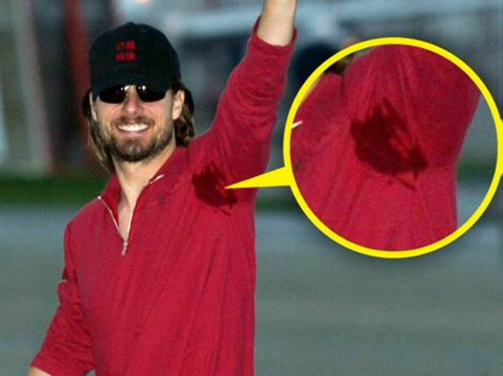 """TOM CRUISE: """"Mission Impossible""""-stjernen vinker til fansen med svetteringer under armene. Foto: All Over Press"""